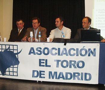 D. Javier Fernández y D. René Alonso, veterinarios de Las Ventas.